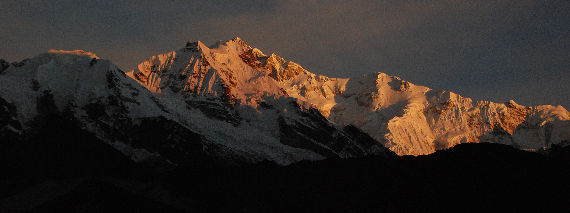 Witness the glory of majestic Kanchenjunga by availing the North Sikkim Tour Packages