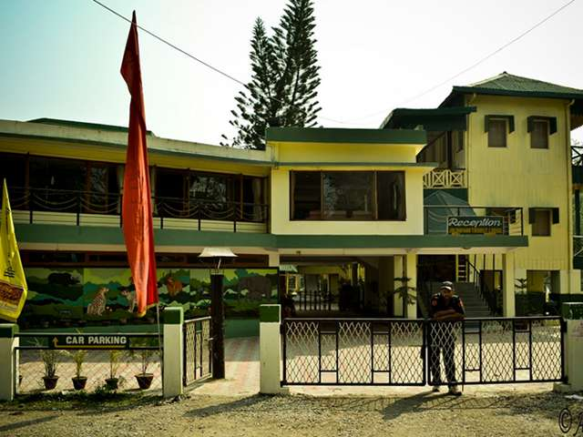 Jaldapara Tourist Lodge, Madarihat