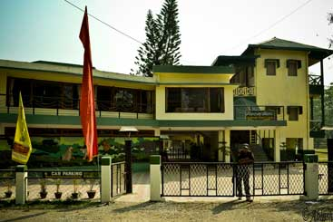 Hotels in Madarihat