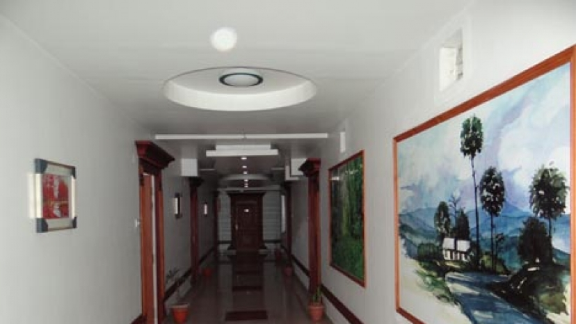 Hotel Monarch Aachal