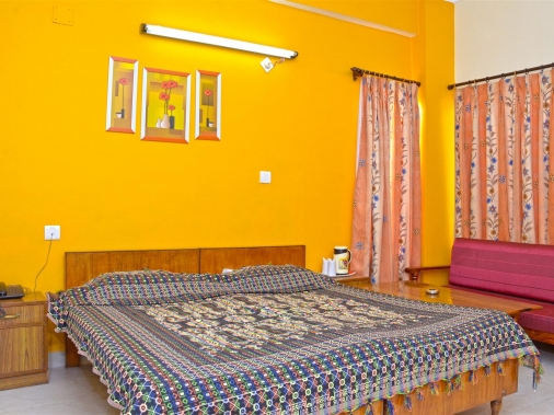 Book Non-AC Standard (Double Bed) at HOTEL SHIKHAR, Darjeeling