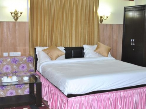 Book Non-AC Deluxe (Valley View) at Hotel Park Palace , Sikkim