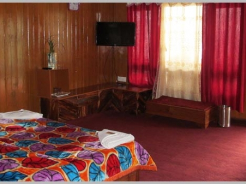 Book Non-AC Deluxe Room at Lamathang Resort, Sikkim